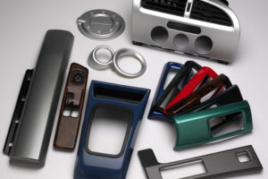 Formteile für die Automobil-innenausstattung